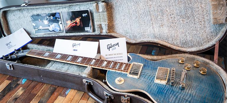 A guitar in a guitar case